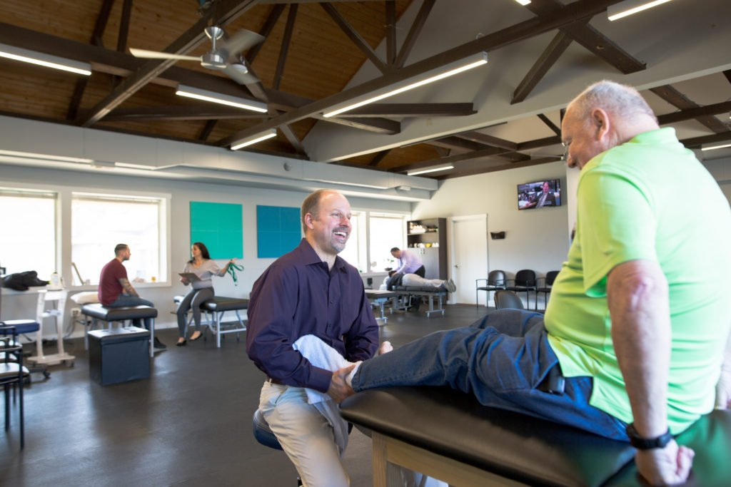 physical therapist in nj with patient